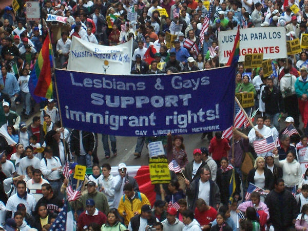 Lesbians & Gays SUPPORT immigrant rights!